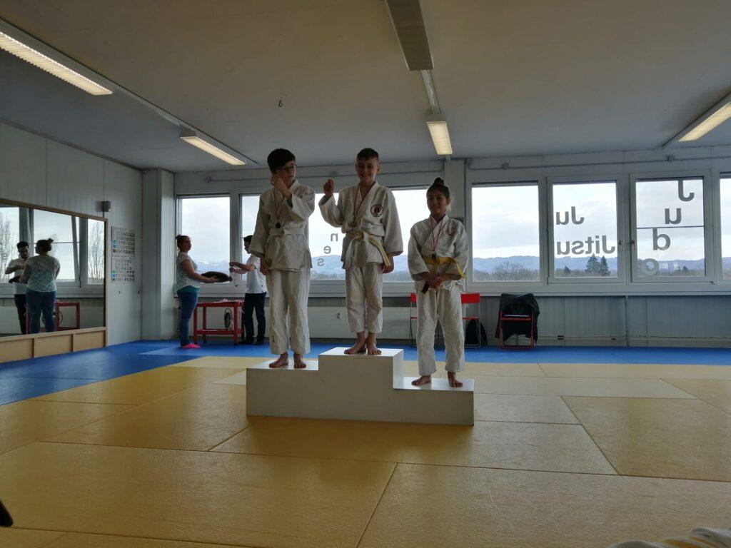 Danilo Stevic gewinnt in Möhlin die Goldmedaille.